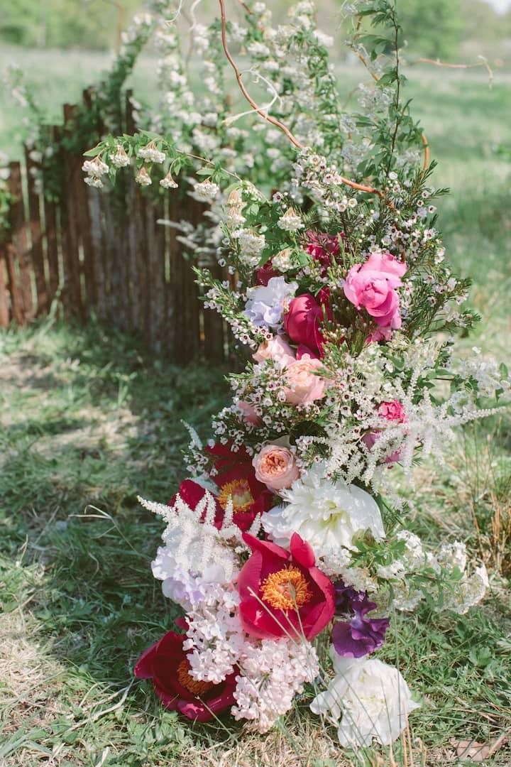 ceremonie-mariage-fleurs-champetre-rose