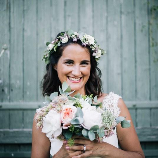 bouquet-couronne-fleuris-champetre-mariage