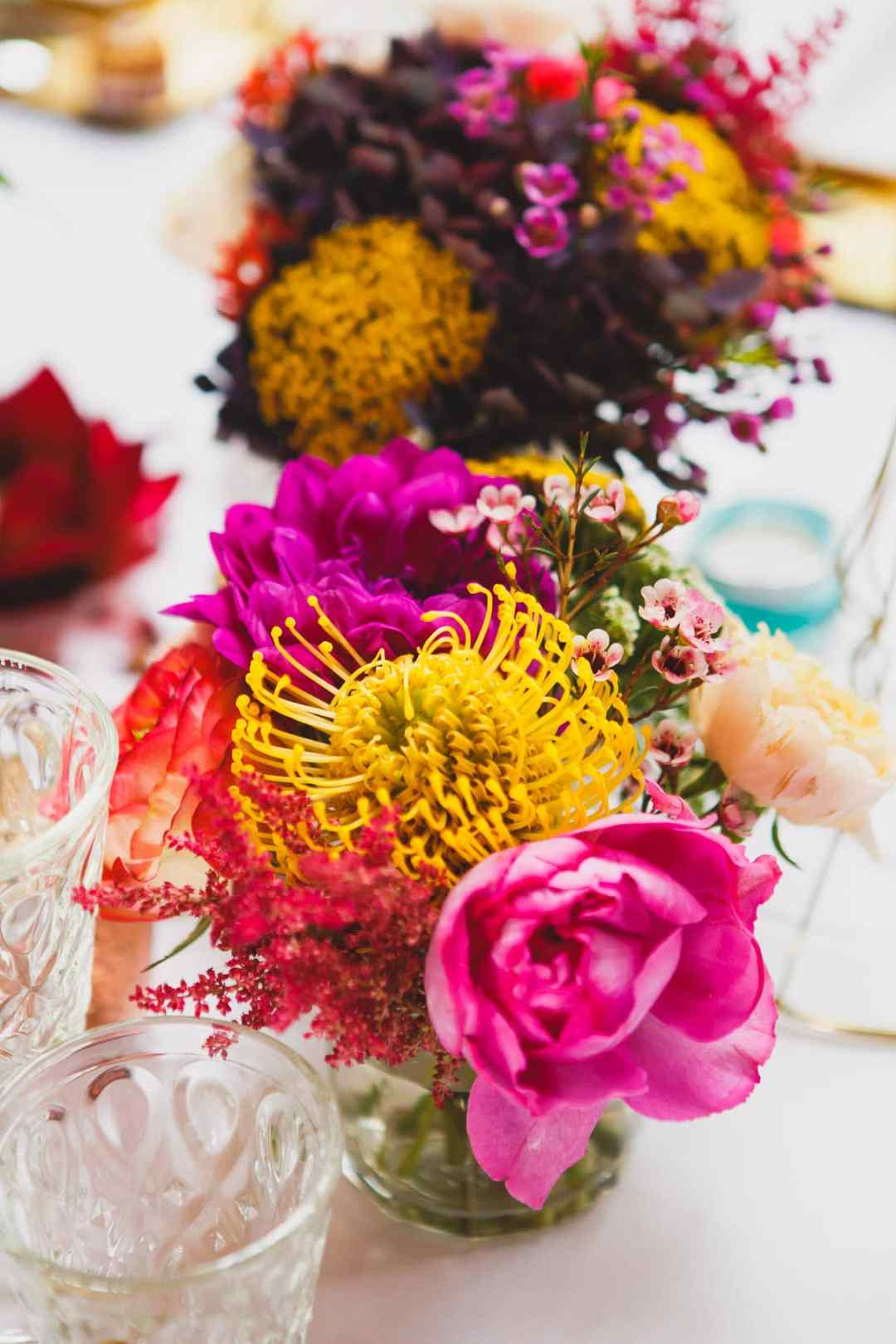 lieu-reception-colore-vitamine-punchy-exotique-mariage