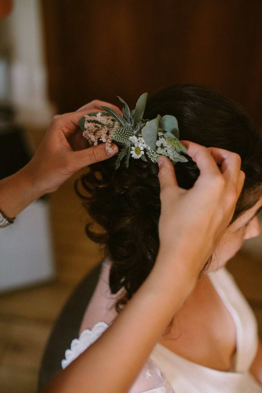 peigne-fleurs-champetre-eucalyptus-mariage