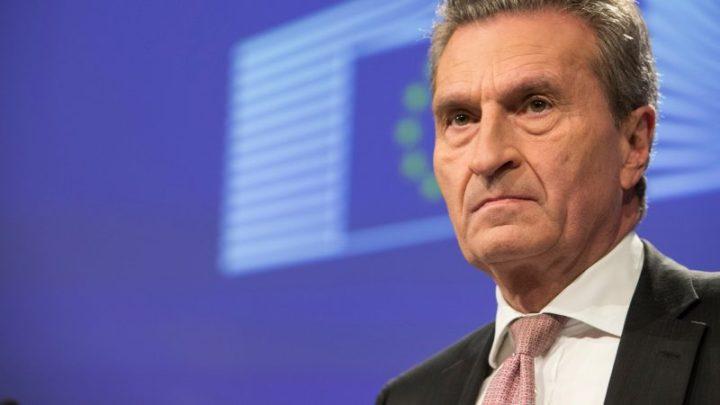 Le commissaire européen allemand veut sanctionner la France pour son budget