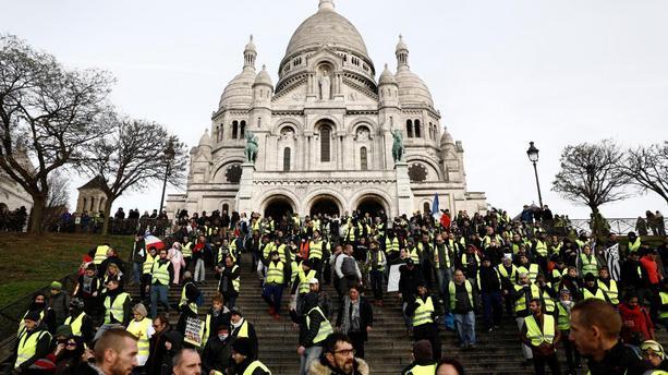 « Acte VI »  : une mobilisation a minima mais des violences et dérapages