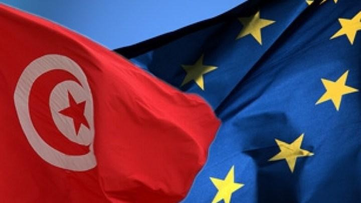 L'UE  soutient la Tunisie, insuffisamment.