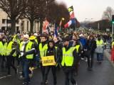 A Paris, un « acte X » ! Des « gilets jaunes » qui commencent à se «normaliser» –  VIDEOS