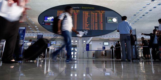 Lescure contre le Sénat pour privatiser aéroports de Paris