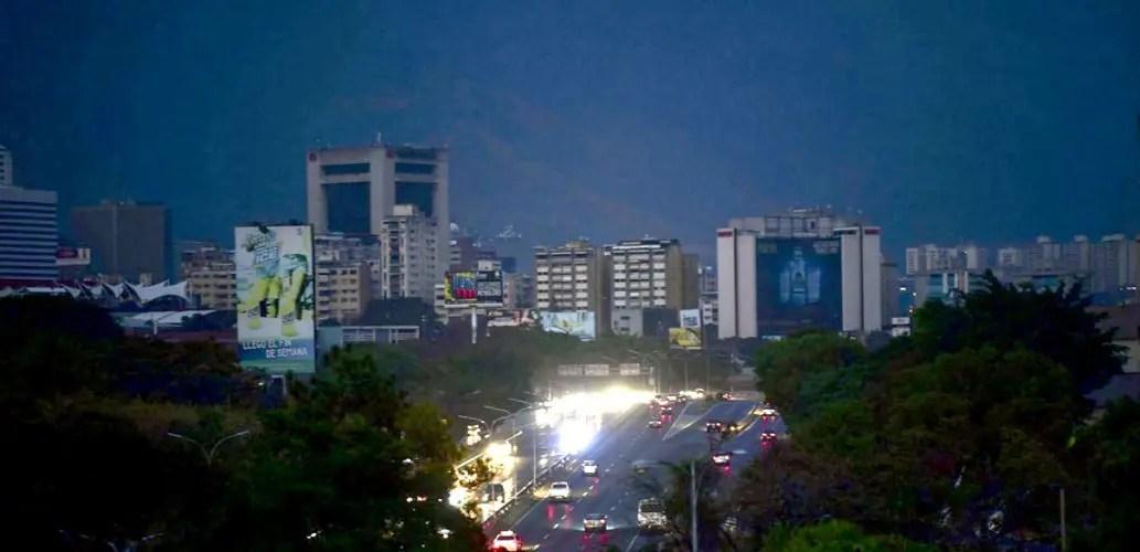 Black out à Caracas. Bientôt la lumière.