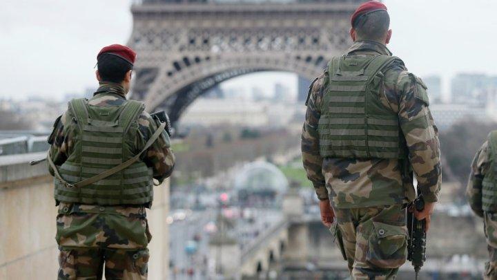 Les Français aiment l'armée, mais à la diète.