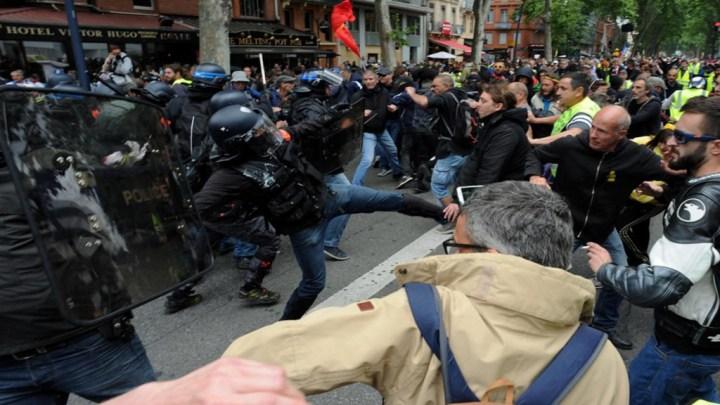 Gilets Jaunes – Retour de la violence – VIDEO embed les manifestants