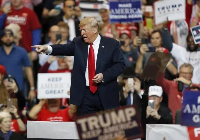 Relégué dans les sondages, Trump reste favori