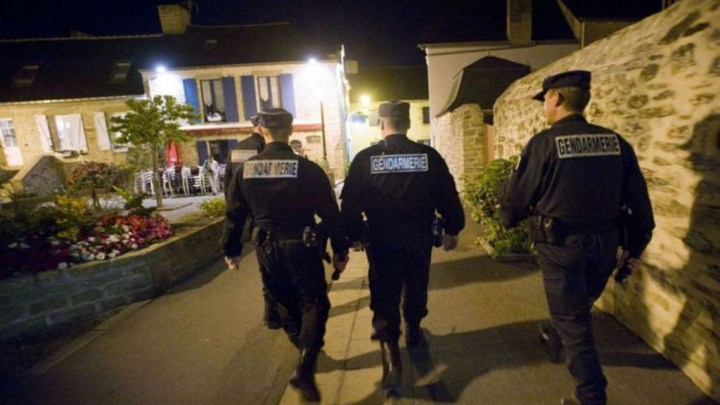 un G7 sous tension, une population locale en colère, des arrestations préventives, bienvenue à Biarritz…