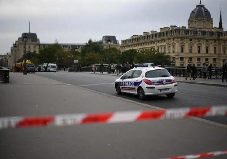 Attaque au couteau à Paris - Vidéo
