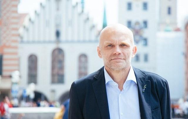Le député Petit, élu des Français d'Europe centrale, reste indépendant au sein de la majorité présidentielle