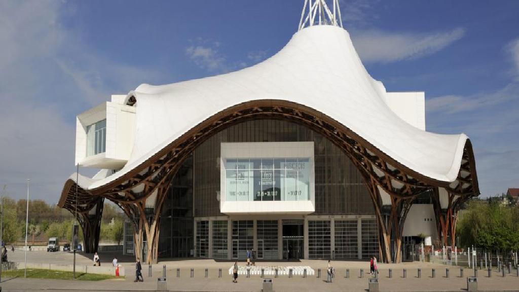 Vidéo : Inauguration du Centre Pompidou – Discours de Macron : Hommage aux Français de Shanghai