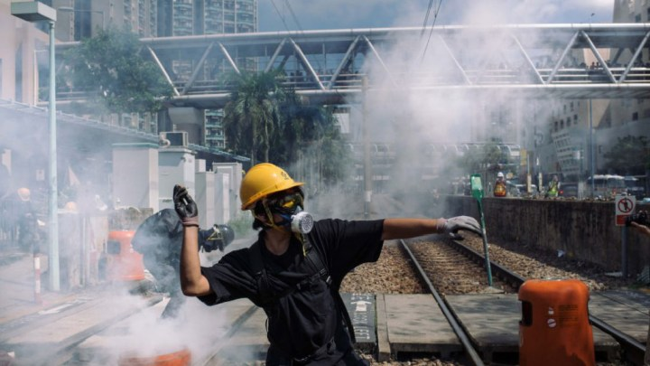 Escalade de violence dans les affrontements à Hong-Kong