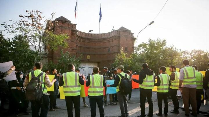En Iran, les Français appelés à la prudence.