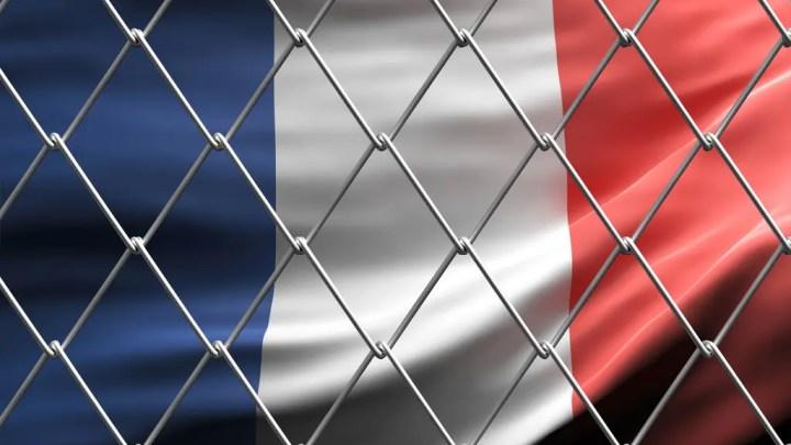 Prolongation de l'état d'urgence en France : Mise en quarantaine des voyageurs à l'arrivée sur le sol français
