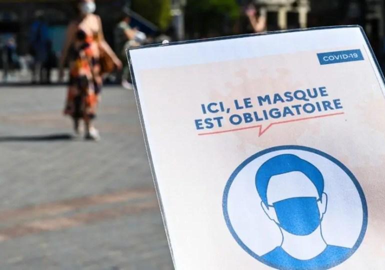 La préfecture de police de Paris a annoncé ce mardi rendre obligatoire le port du masques dans certaines zones de la capitale à forte fréquentation.