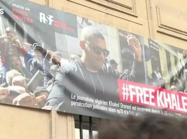 Algérie: la presse réagit à la condamnation de Khaled Drareni