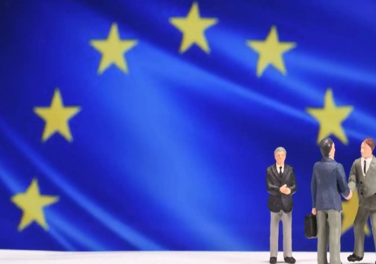 Les obligations qui financeront le fonds de l'UE pour lutter contre le chômage sont lancées