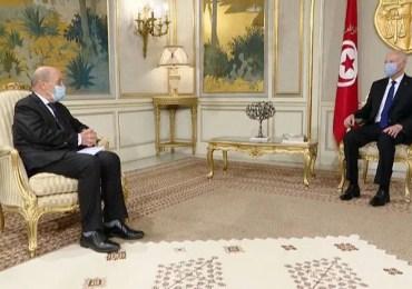Dix ans bientôt, la Tunisie attend toujours le printemps