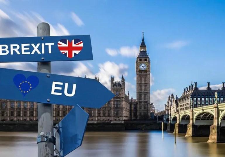 Des milliers de ressortissants européens au Royaume-Uni risquent l'expulsion à la suite du Brexit