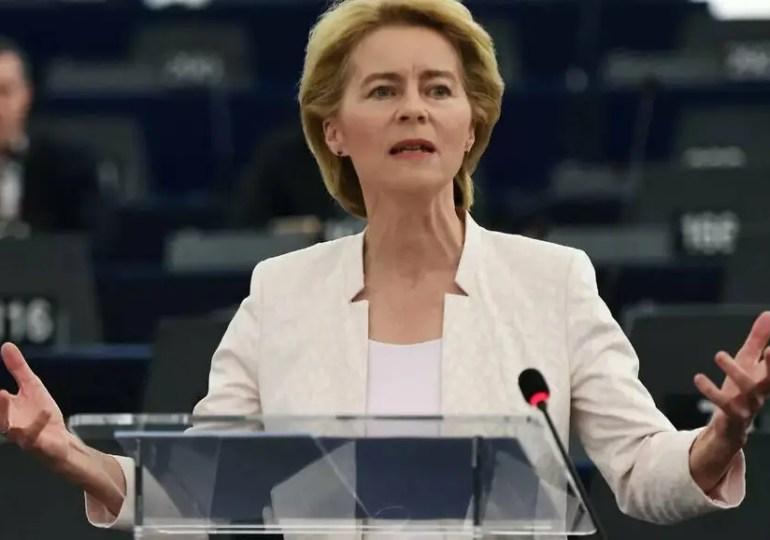 Ursula von der Leyen exprime ses « regrets » devant le Parlement européen