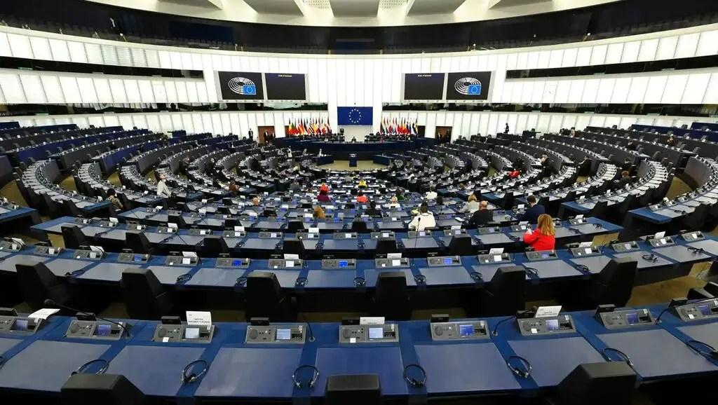 Le Parlement approuve le certificat Covid et passe le relais aux États membres
