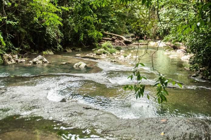 rio dulce siete altars