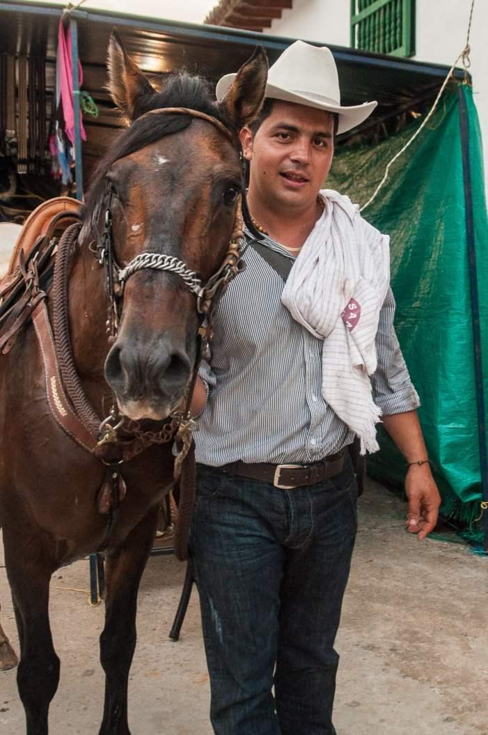 propriétaire cheval cabalgata colombie