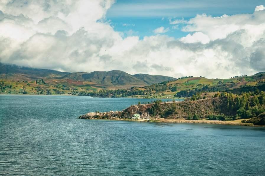 lagune de tota boyaca colombie