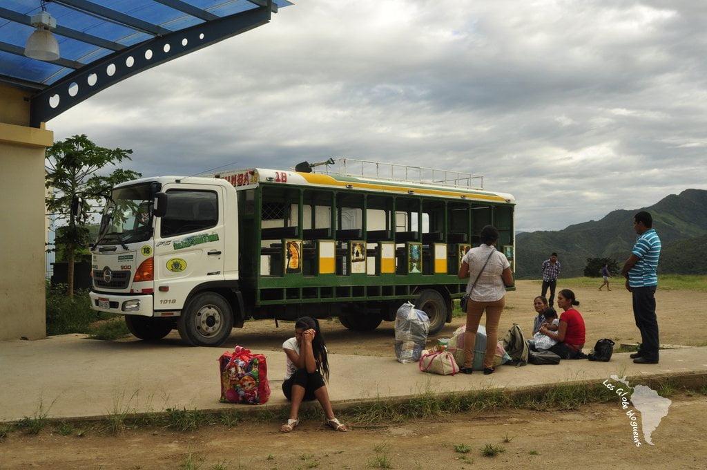 camion frontière équateur pérou
