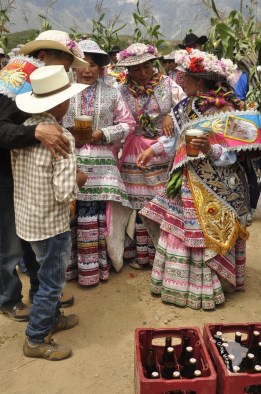 cabanaconde candelaria fiesta fête bière