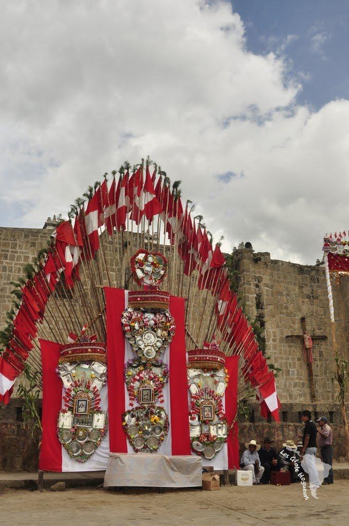 autel vierge argent cabanaconde drapeau