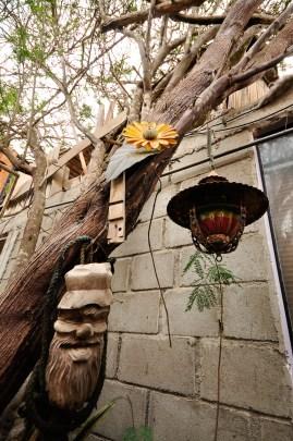 Le jardin et ses objets en tout genre