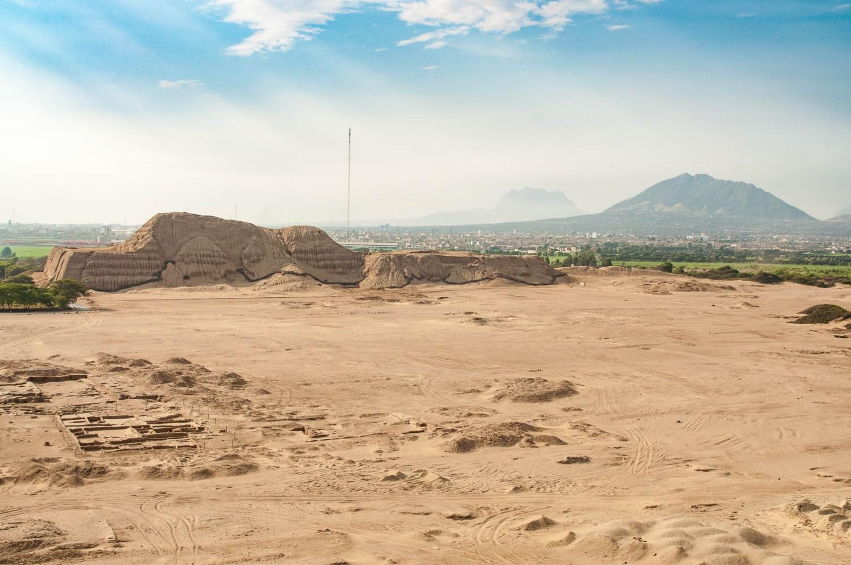 Huaca del Sol et vestiges de la vieille ville