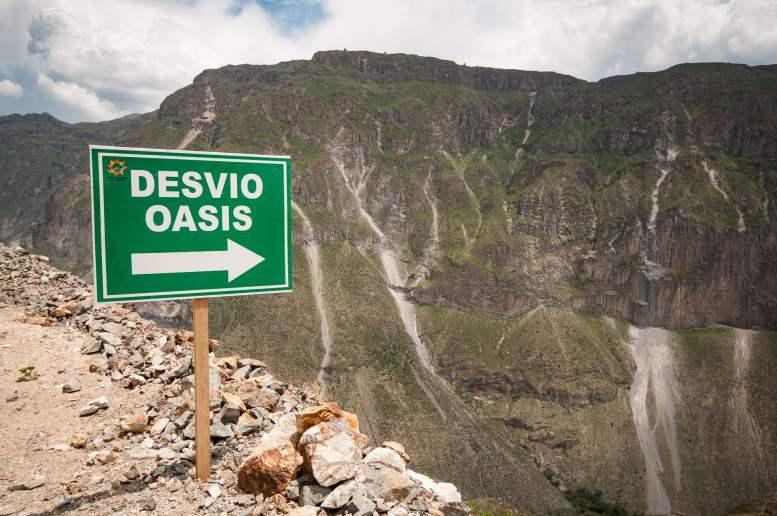 Chemin qui descend jusqu'à l'Oasis de Sangalle