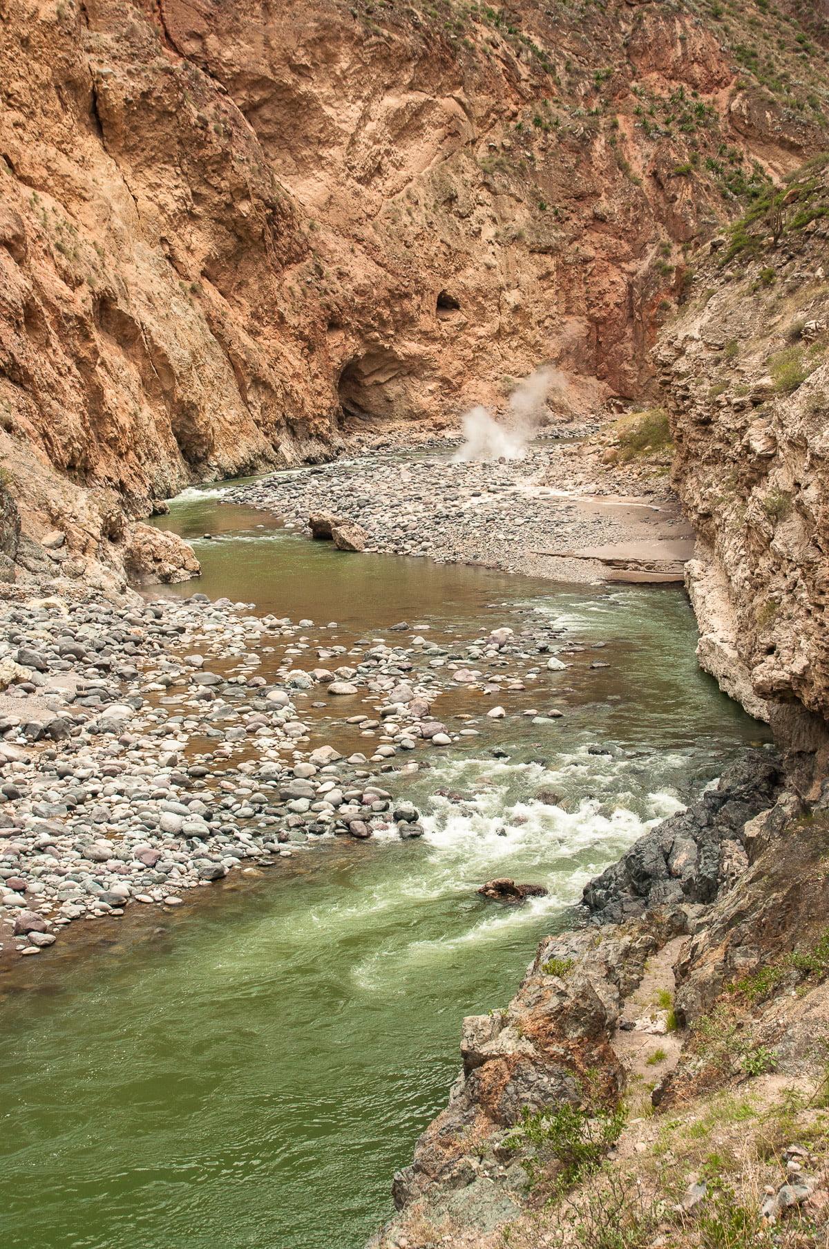 Source chaude canyon de colca pérou