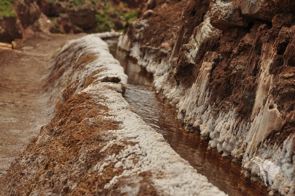 Canalisation de la rivière permettant d'extraire le sel