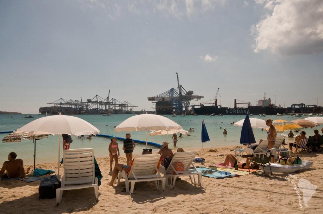plage port harbour malte pretty bay