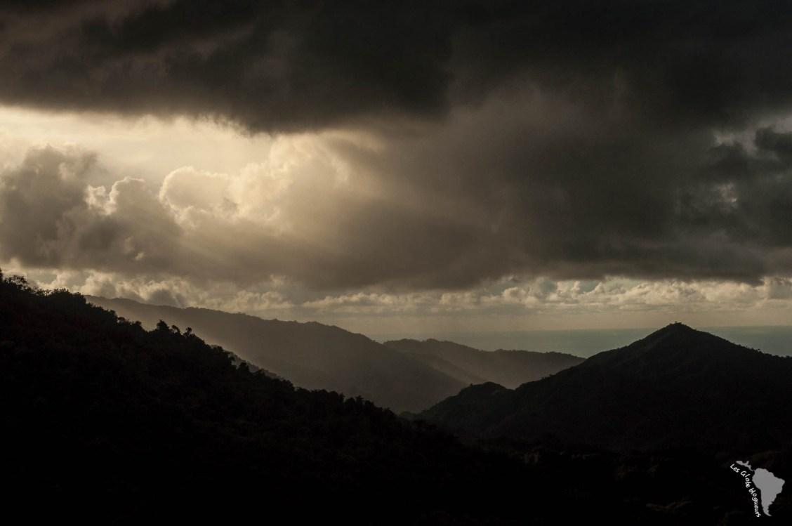 La nuit prend le relai et les sommets s'obscurssissent
