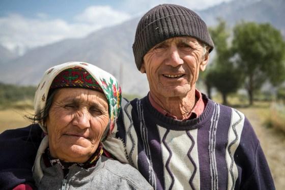 Safar-Mahmad et sa femme Bibihano, d'origine wakhi, les parents de Farid, village de Namadgut, près d'Ishkashim, Tadjikistan
