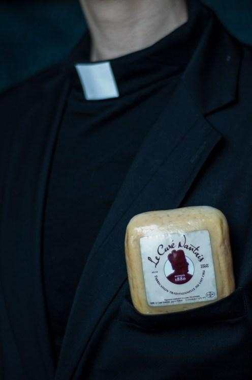 Thème proposé par le marathon : C'est typique (pour info le curé nantais est un fromage typique)