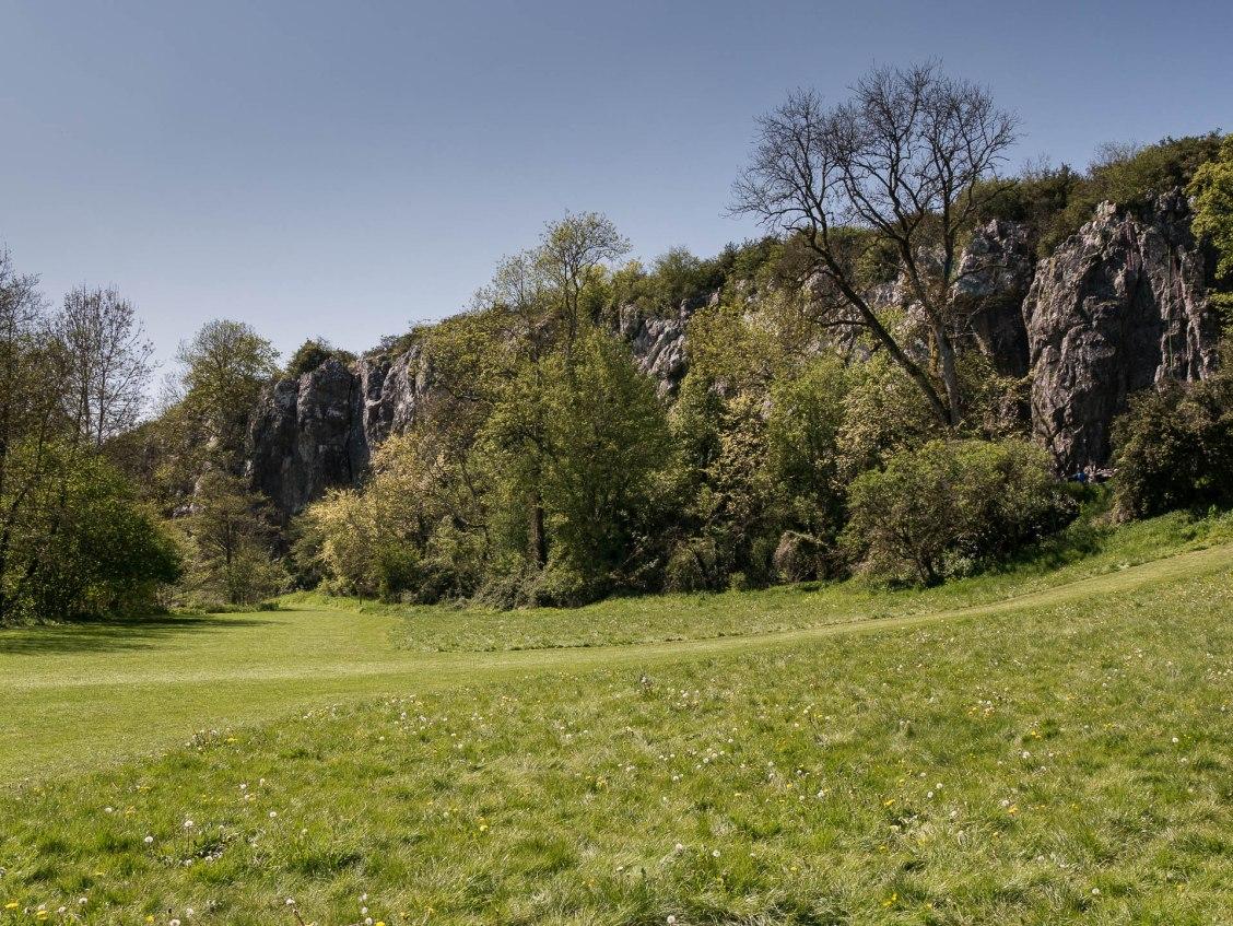Les falaises calcaires du canyon sont idéales pour s'initier à l'escalade