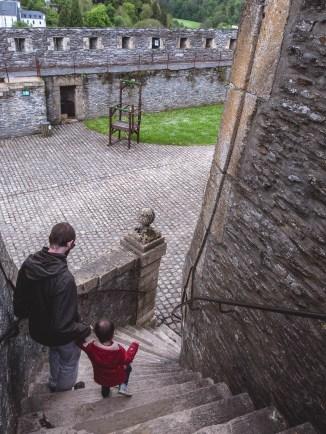 Bouillon chateau escalier