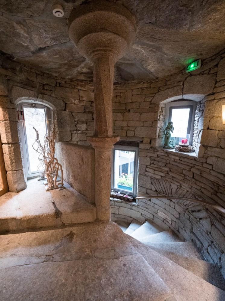 Escalier ancien de la vinotière au conquet