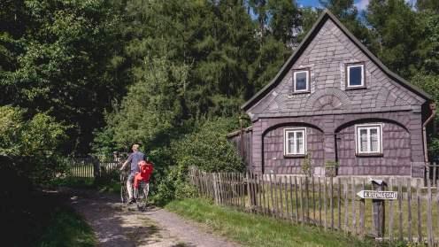 Maison traditionnelle slave en bohême du nord république tchèque