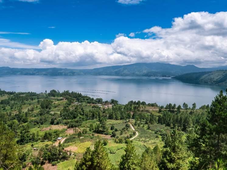 Panorama sur le lac Toba à Sumatra en Indonésie