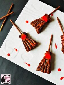 brownie, chocolat, gâteau, gâteau chocolat, noix, glaçage, mikado, colorants, colorants alimentaires, balai, sorcière, halloween, fun