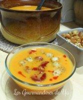Velouté de courge, tomates-cerise et chorizo
