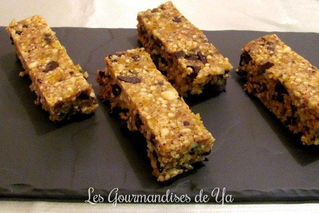 Barres aux amandes, noisettes, quinoa soufflé, chocolat et abricots séchés LGY
